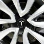 Акции Tesla рухнули после публикаций Маска о продаже своего имущества