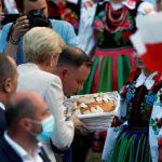 Экзитпол выборов президента Польши: Дуда и Тшасковский проходят во второй тур выборов президента
