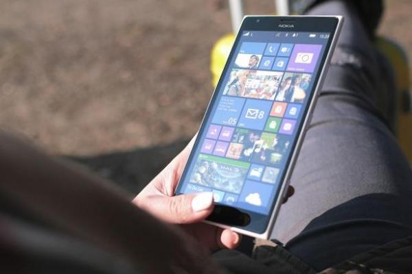 Эксперты рассказали о способах защиты смартфона от перегрева в жару