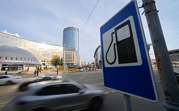 ФАС поставила вопрос об отмене запрета на ввоз в Россию дешевого бензина