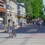 В Юрмале напоминают: улица Йомас только для пешеходов! А не для велосипедистов