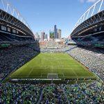 Футболистам в США и Канаде разрешили выражать протест во время исполнения гимнов