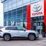 Российские дилеры Toyota возобновляют работу
