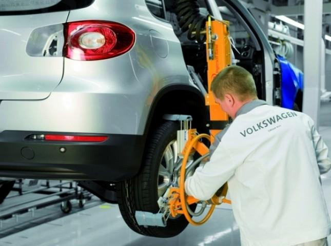 Российским работникам Volkswagen повысят зарплаты и выплатят две премии