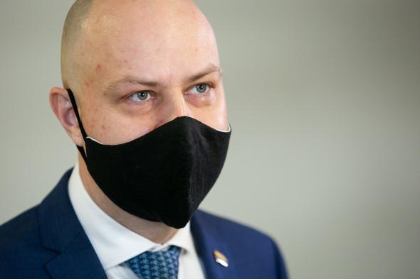 Необходимости возвращаться к обязательному ношению масок пока нет – Минздрав Литвы