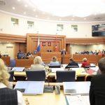 Совфед: Дискриминацией русскоязычных Киев вбивает гвоздь в Минские соглашения