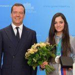 Евгения Медведева начала заниматься в ЦСКА с Еленой Буяновой