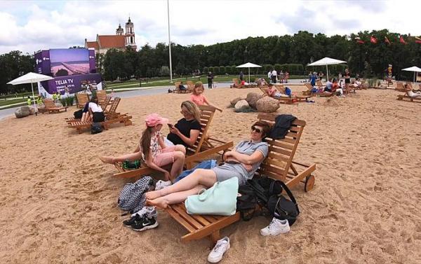 Правительство Литвы: с сентября не ограничивается количество участников мероприятий