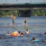 Насколько тёплая вода для купания в водоёмах Риги? Сравнение