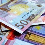 В Пайде неизвестный расплатился в магазине сувенирными евро