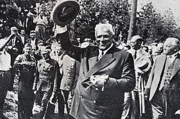 Историк: Улманис не любил заработавших богатство своими руками и ценил Маркса