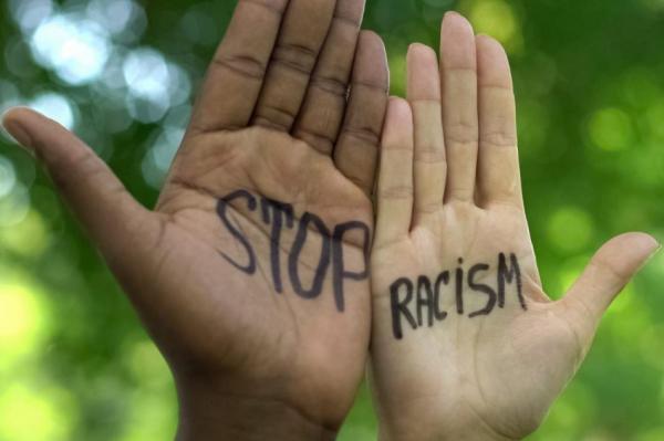 Опрос: приходилось ли латвийцам сталкиваться с расизмом?