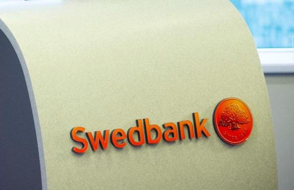 Swedbank предупреждает о мошенниках, звонящих от имени банка