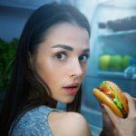 Что можно есть на ночь? Варианты некалорийных перекусов: яйца, овощи, мясо