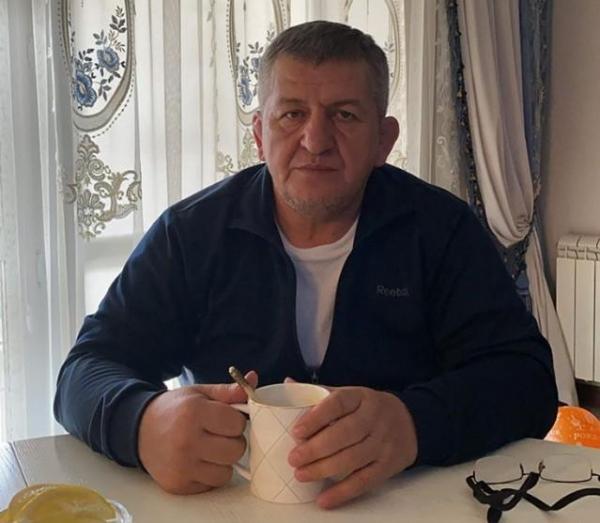 """""""У него было два инсульта"""": Друг Абдулманапа Нурмагомедова Рамазан Рабаданов назвал причину его смерти"""