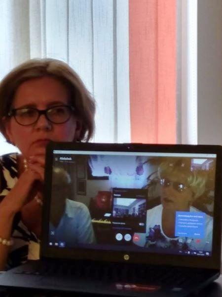 Творчество композитора и певицы Нелли Хакель обсудили в Риге