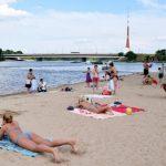 Температура воды в местах для купания упала ниже +20 градусов