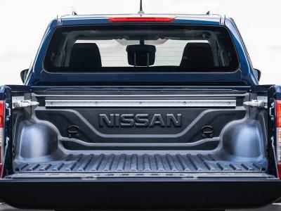 Новый Nissan Navara: пикап впервые заметили во время дорожных тестов