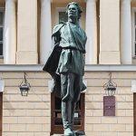 Памятник Горькому авторства Мухиной отреставрируют в Москве
