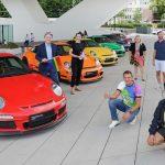 Сомнительная толерантность: Porsche заставила своих сотрудников присоединиться к геям