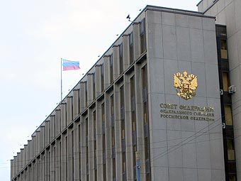 Сенатор призвал выработать ответные действия на нарушение прав журналистов в Прибалтике