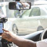 """""""Выпрыгивают из машины и бегут: еще раз о знании госязыка таксистами"""