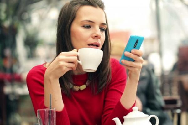Рижане негодуют: предвыборная агитация приходит уже на телефоны!
