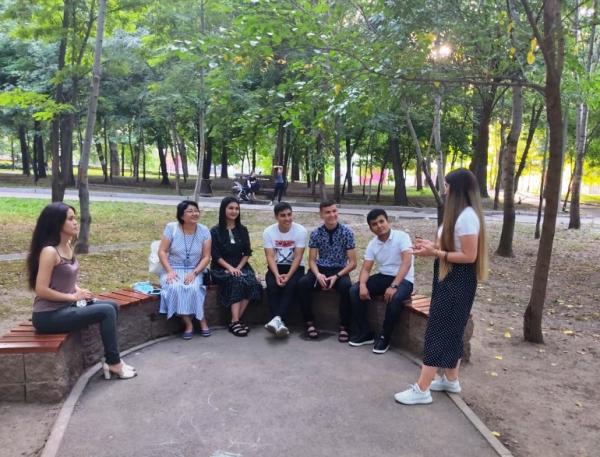 Туркменские студенты изучают русский язык в Алма-Ате