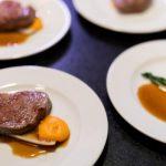 В какой из стран Балтии чаще обедают вне дома или заказывают еду на дом