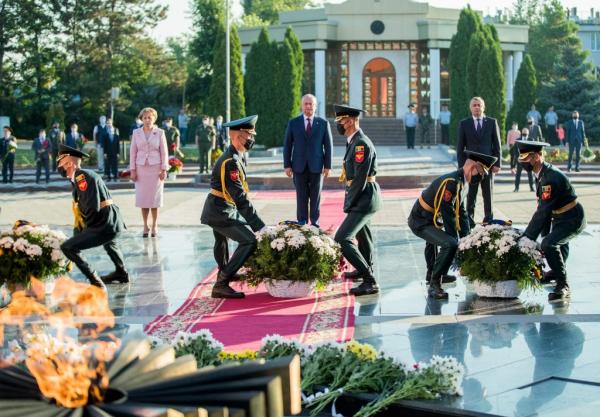 В Молдавии широко отмечают годовщину освобождения от фашистов