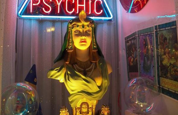 Женщина отдала мошенникам 2700 евро за «спиритический сеанс»