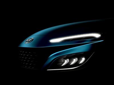 Hyundai показал тизеры рестайлингового кроссовера Kona