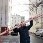 Как охранники торговых центров в Москве вымогают у водителей деньги за парковку