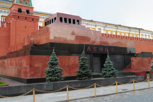 Американский художник захотел выкупить тело Ленина