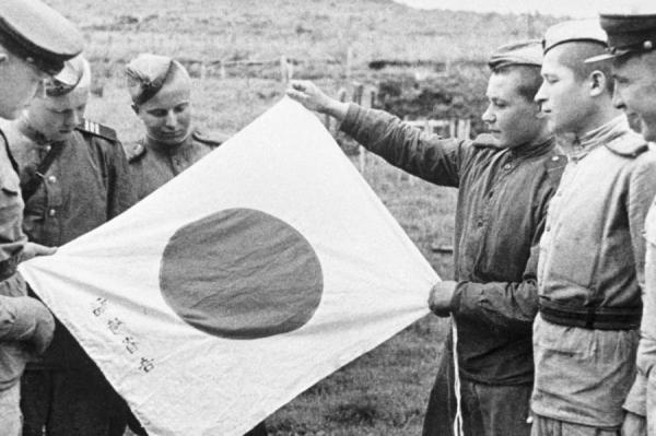 """""""Нас бомбили американцы"""": рижанин о последней кампании Второй мировой войны"""