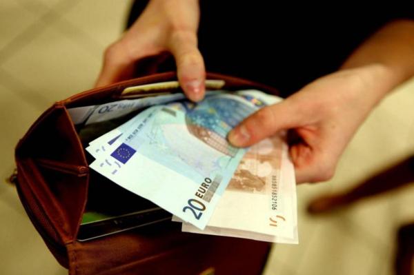 «Среднемесячная зарплата в Латвии - 1118 евро»: откуда такая цифирь?