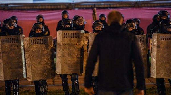 Призыв к вооруженному восстанию. Зачем оппозиции новый виток насилия в Белоруссии