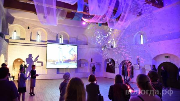 Кружевницы из десяти стран создали журавлей для арт-объекта в Вологде