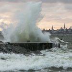 Синоптики предупреждают: на Эстонию надвигается сильный шторм