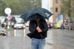 В ближайшие сутки в Латвии ожидаются ливни, грозы, град и сильный ветер