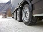Чем обернется «переобувка» грузовика в покрышки с шипами