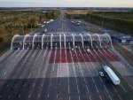 Власти решили брать плату за проезд любых машин по всем дорогам России