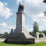 Вандалы осквернили памятник советским воинам в Софии