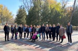 Студенты из Туркмении выучили названия животных на русском языке