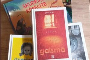 Писательница возмущена своим гонораром на фоне зарплат депутатов Сейма