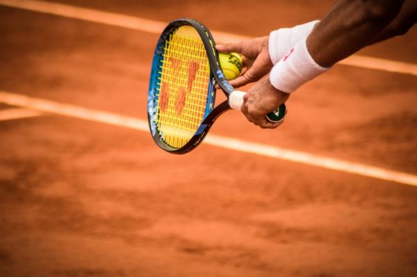 Немецкий теннисист поблагодарил семью по-русски после победы на «Ролан Гаррос»