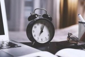 Не забудьте проверить часы – Латвия перешла на зимнее время
