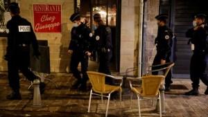 Valeurs actuelles: «какофония» в борьбе с пандемией заставляет французов всё меньше доверять правительству