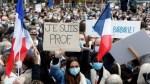 Во Франции тысячи вышли на митинги в память об убитом чеченцем учителе