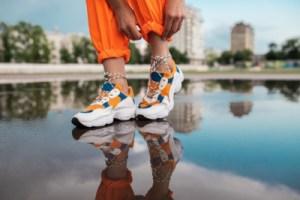 Какие кроссовки можно носить в дождь? Стильные и непромокаемые кеды на осень
